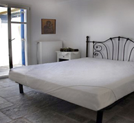 This Paros home rental sleeps 6